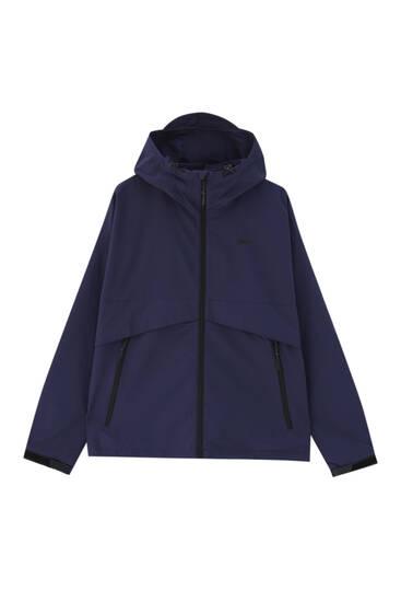 Lightweight hooded raincoat
