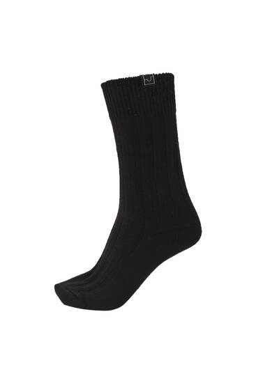 Black urban socks with embroidered logo