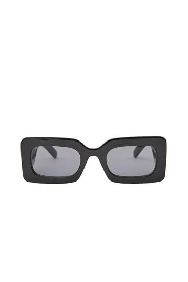 Μαύρα τετράγωνα γυαλιά ηλίου