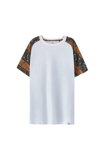 Logo T-shirt with raglan sleeves