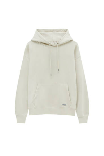 Basic hoodie with a rubberised patch