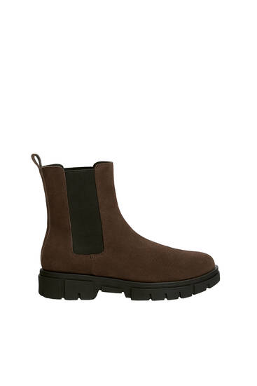 Split suede Chelsea boots