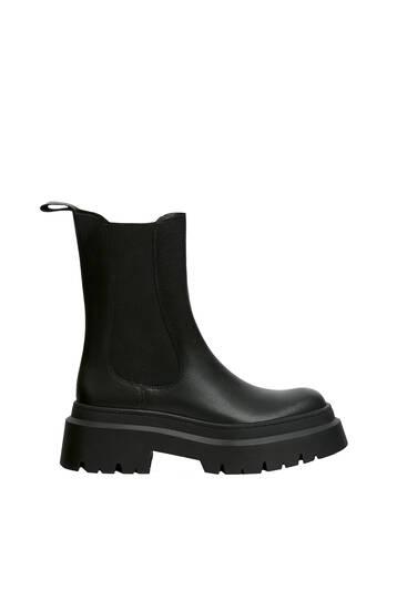 Chelsea-Boots aus Leder mit Profilsohle