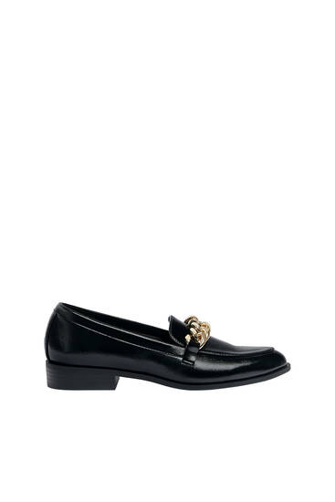 Loafers with buckle detail