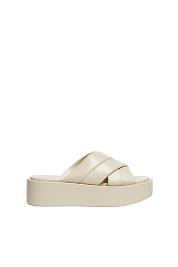 Wedge sandals with padded detail