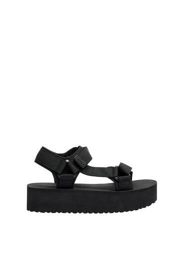 Sandale sa rebrastim đonom i platformom