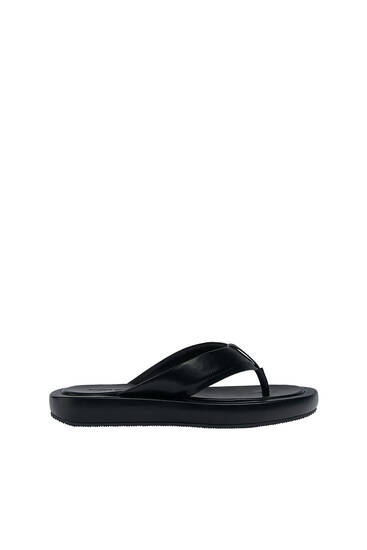 Sandalia plana minimal