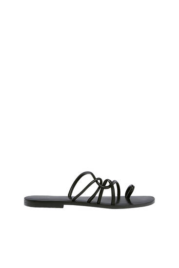Sandalia plana tiras