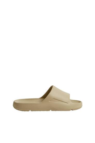 Monochrome slide sandals