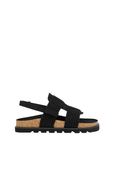Sandalen mit Schnüren