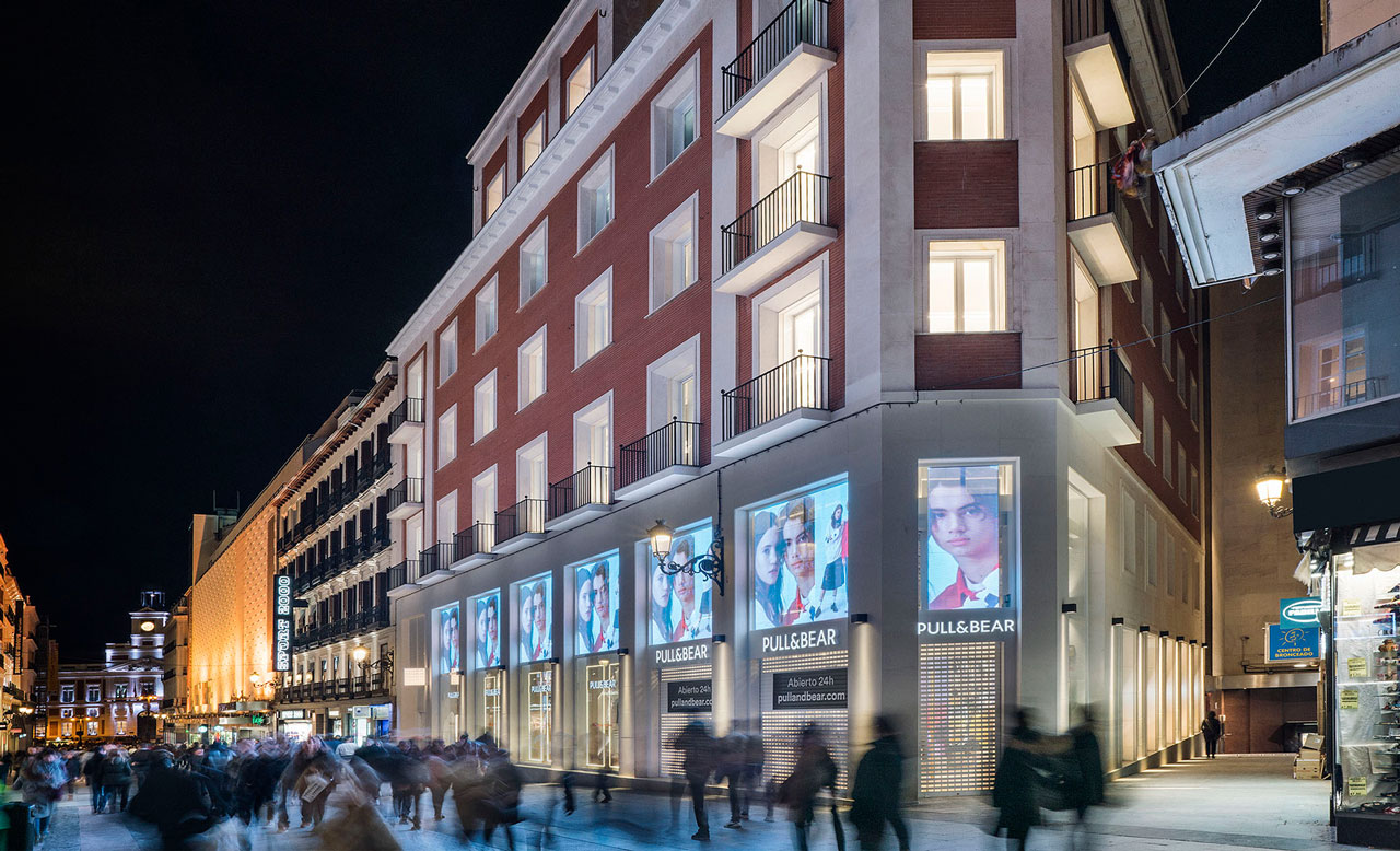 Pull And Bear Torino Centro.Stores In Italy Pull Bear Opening Hours Addresses And Telephone